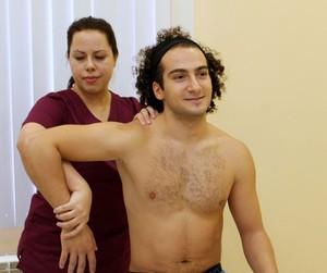Плечелопаточный периартрит - проявления болезни