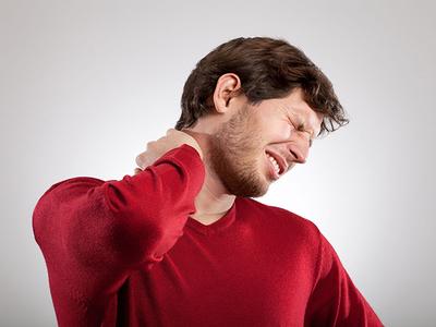 Грыжа шейного отдела позвоночника: симптомы, лечение