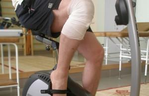 Реабилитация после протезирования коленного сустава