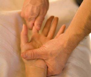 Изображение - Болят суставы кистей рук и немеют onemenie-kistei-ruk
