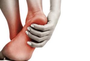 Болият ступни ног что делать