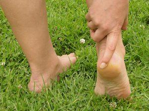 Как установить причину болей в ногах