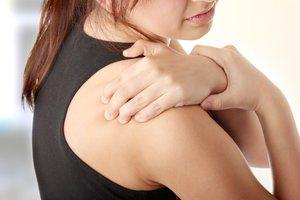 Почему болит плечевой сустав
