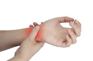 Как устранить боль в запястье