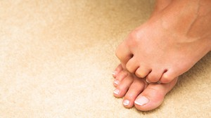 На ноге болит сустав