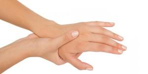 Онемение кистей рук