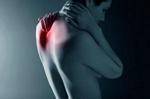 боли в спине в области лопаток