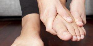 Боли в ступнях по утрам - возможные причины